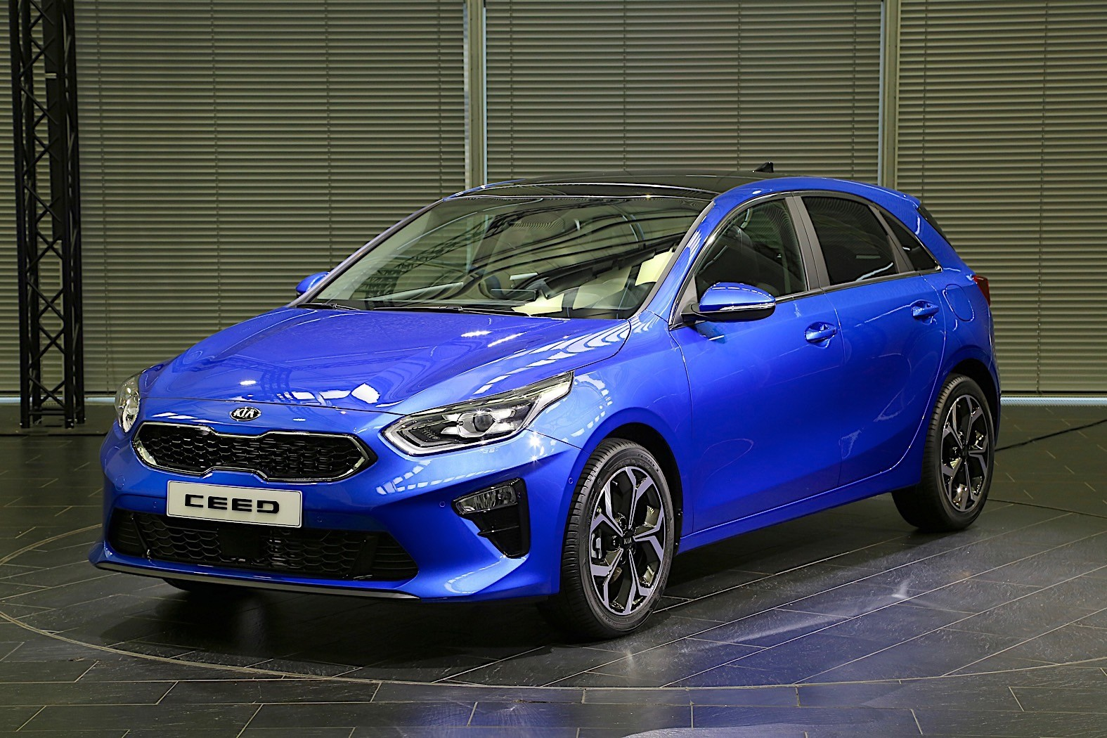 Geneva debutant Kia Ceed revealed