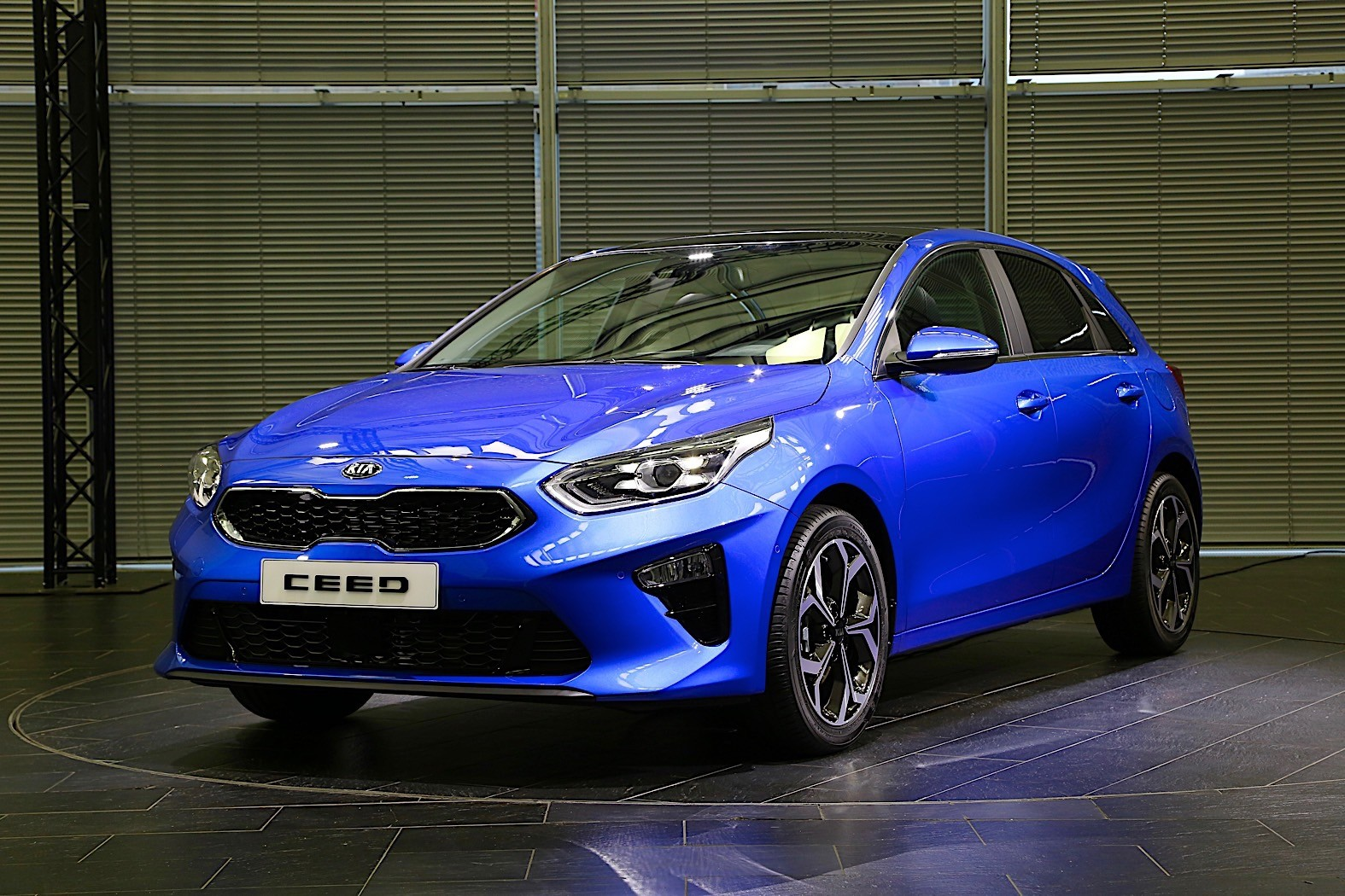 Kia Reveals New Ceed Hatchback