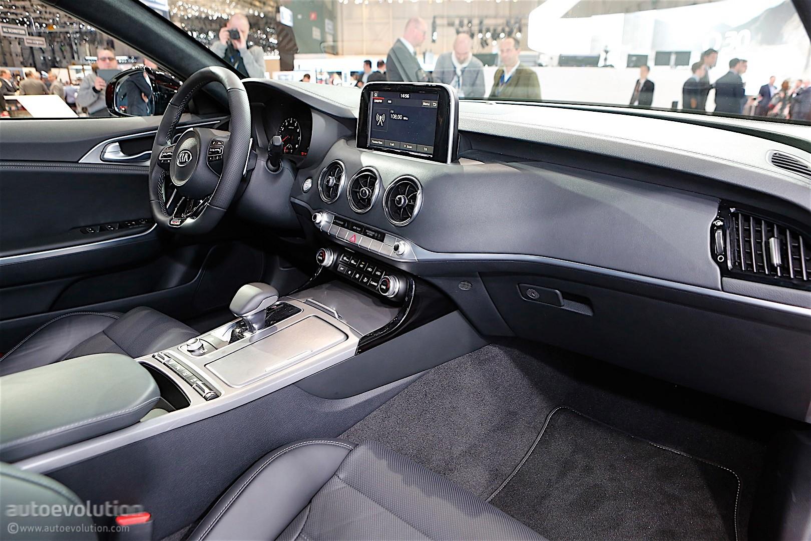 2018 kia stinger gt hits 100 km h 62 mph in 4 9 seconds autoevolution. Black Bedroom Furniture Sets. Home Design Ideas
