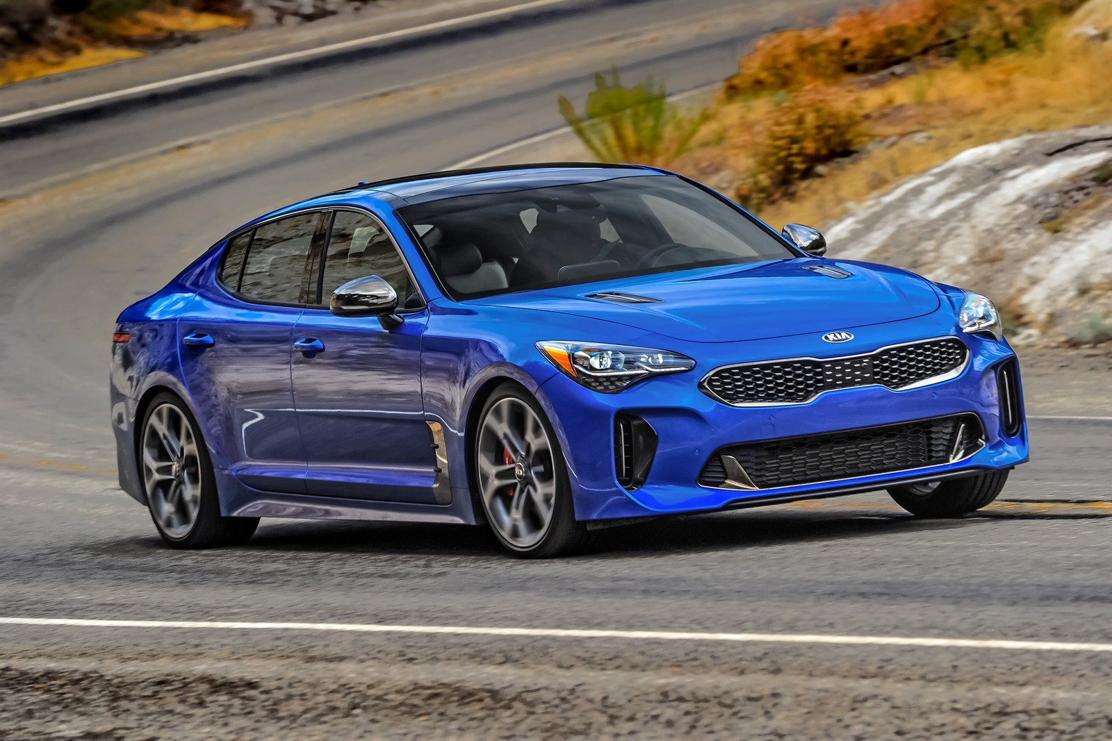 2018 kia stinger price list reveals base model starts at 31 900 in the u s autoevolution. Black Bedroom Furniture Sets. Home Design Ideas