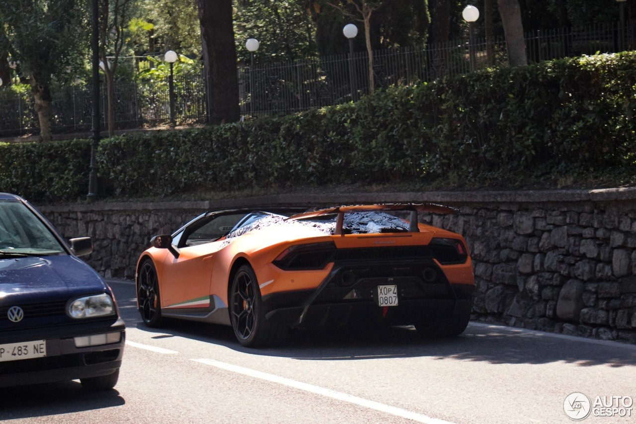 lamborghini huracan performante spyder spotted in italian traffic w o camouflage autoevolution. Black Bedroom Furniture Sets. Home Design Ideas
