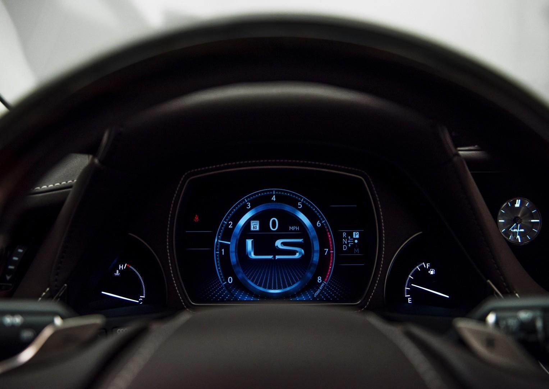 2018 Lexus LS 500h Powertrain Detailed, 140 KM/H Top Speed In ...
