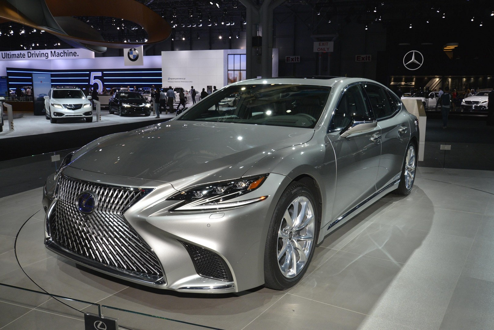 2018 lexus ls f sport joins ls 500h in new york autoevolution. Black Bedroom Furniture Sets. Home Design Ideas