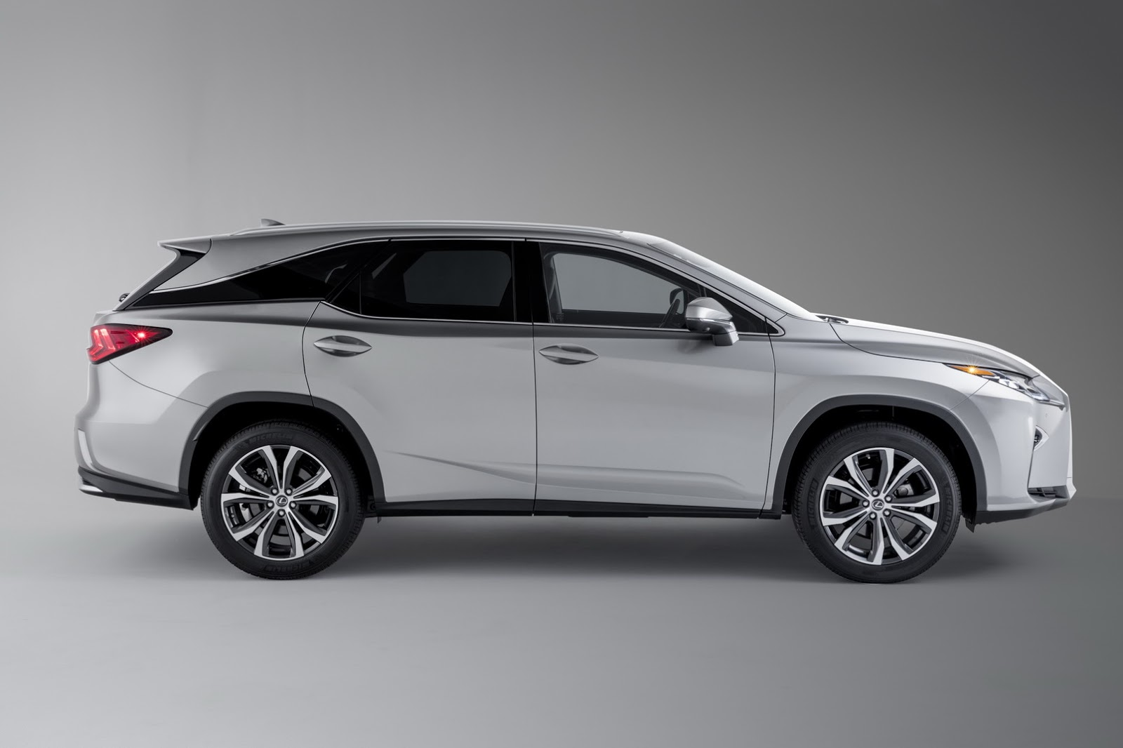 Lexus 7 Seater >> 2018 Lexus Rx350l Is Not A Real 7 Seater Says Consumer