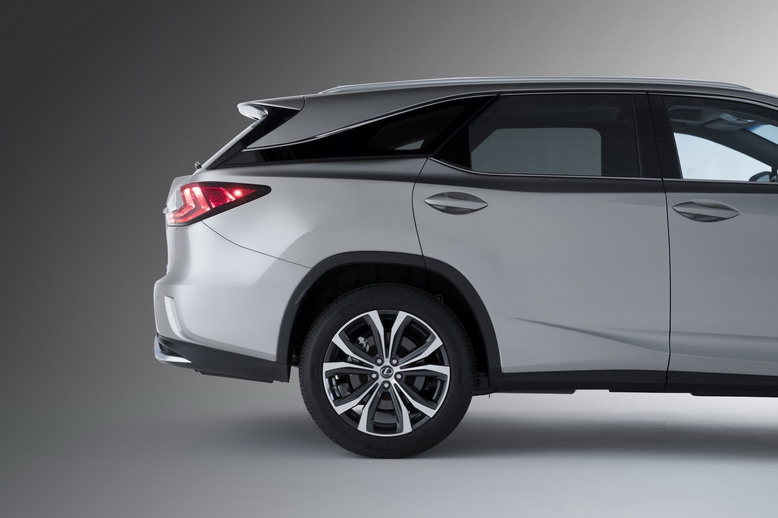 Lexus Rx 7 Seater >> 2018 Lexus Rx350l Is Not A Real 7 Seater Says Consumer Reports