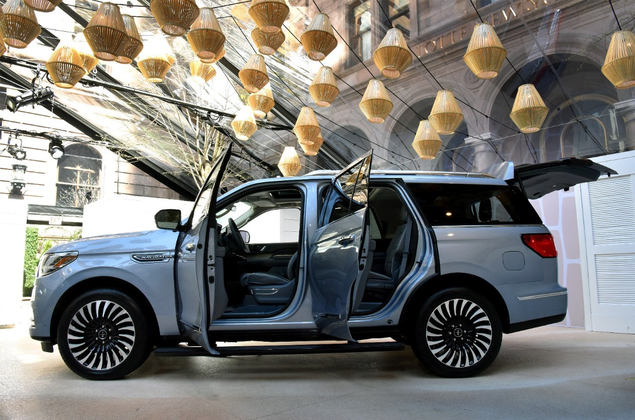 Lifted Lincoln Navigator Is a Looker - autoevolution