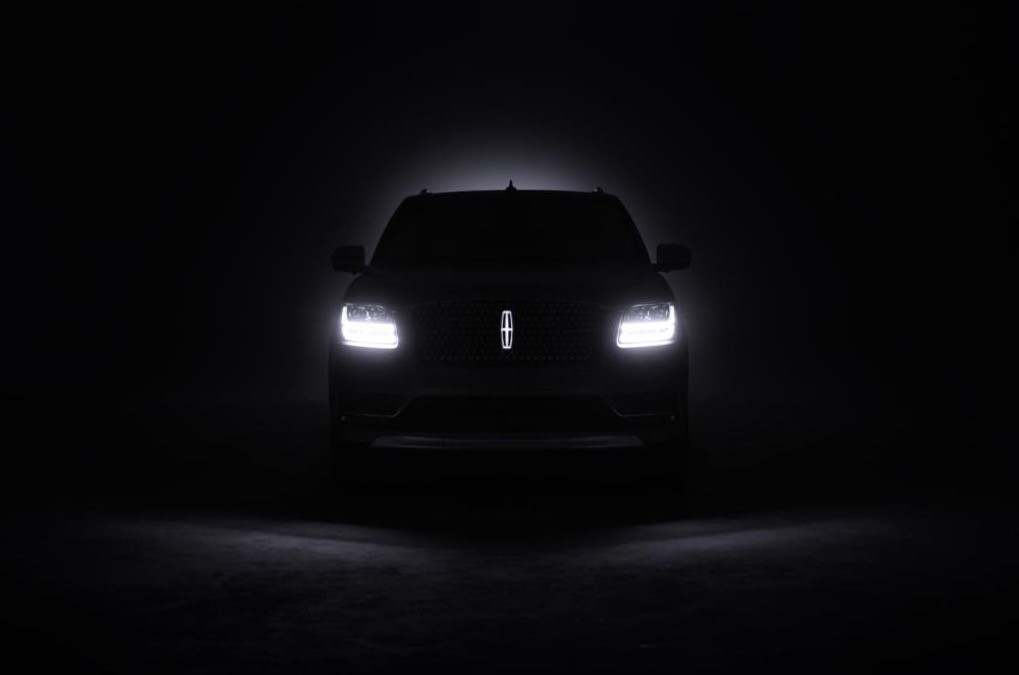 2018 Lincoln Navigator Teased Features Illuminated Emblem