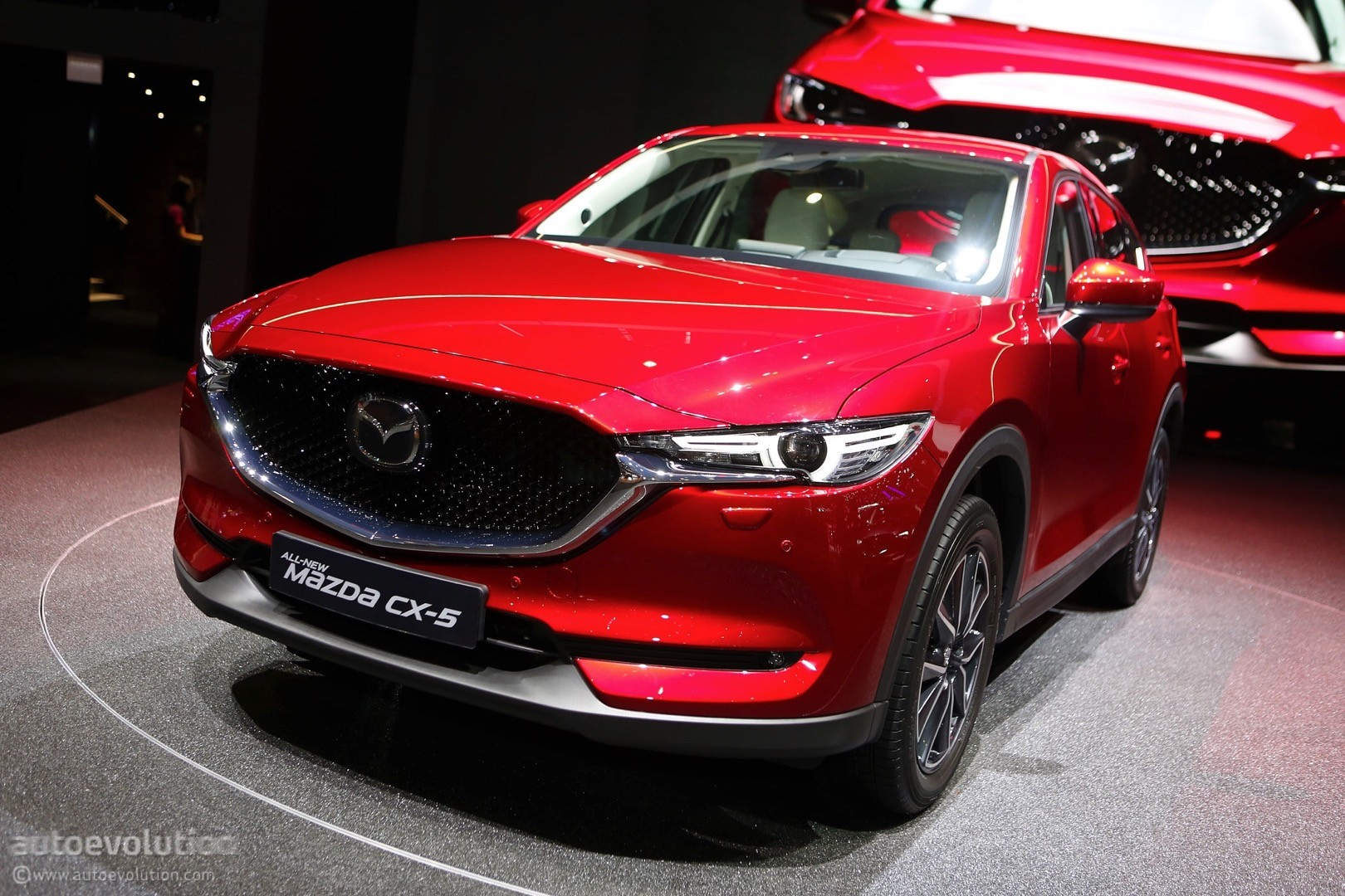 2018 mazda cx 8 amateurishly photoshopped from an image of the cx 5 autoevolution. Black Bedroom Furniture Sets. Home Design Ideas