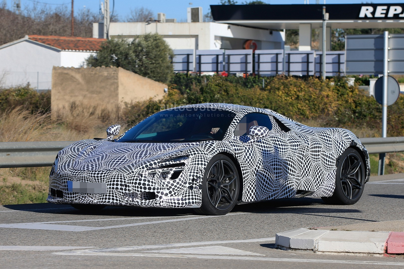 2018 mclaren 720s black. fine 720s 2018 mclaren 720s p14 spied with black and white camouflage for mclaren 720s black b