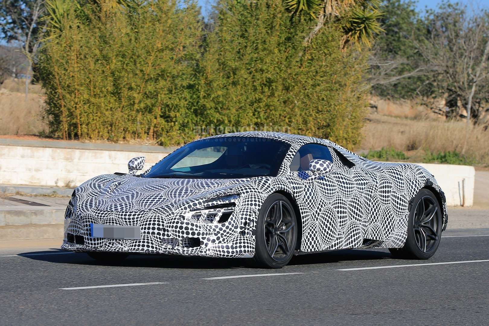 2018 McLaren 720S (P14) Spied With Black and White ...