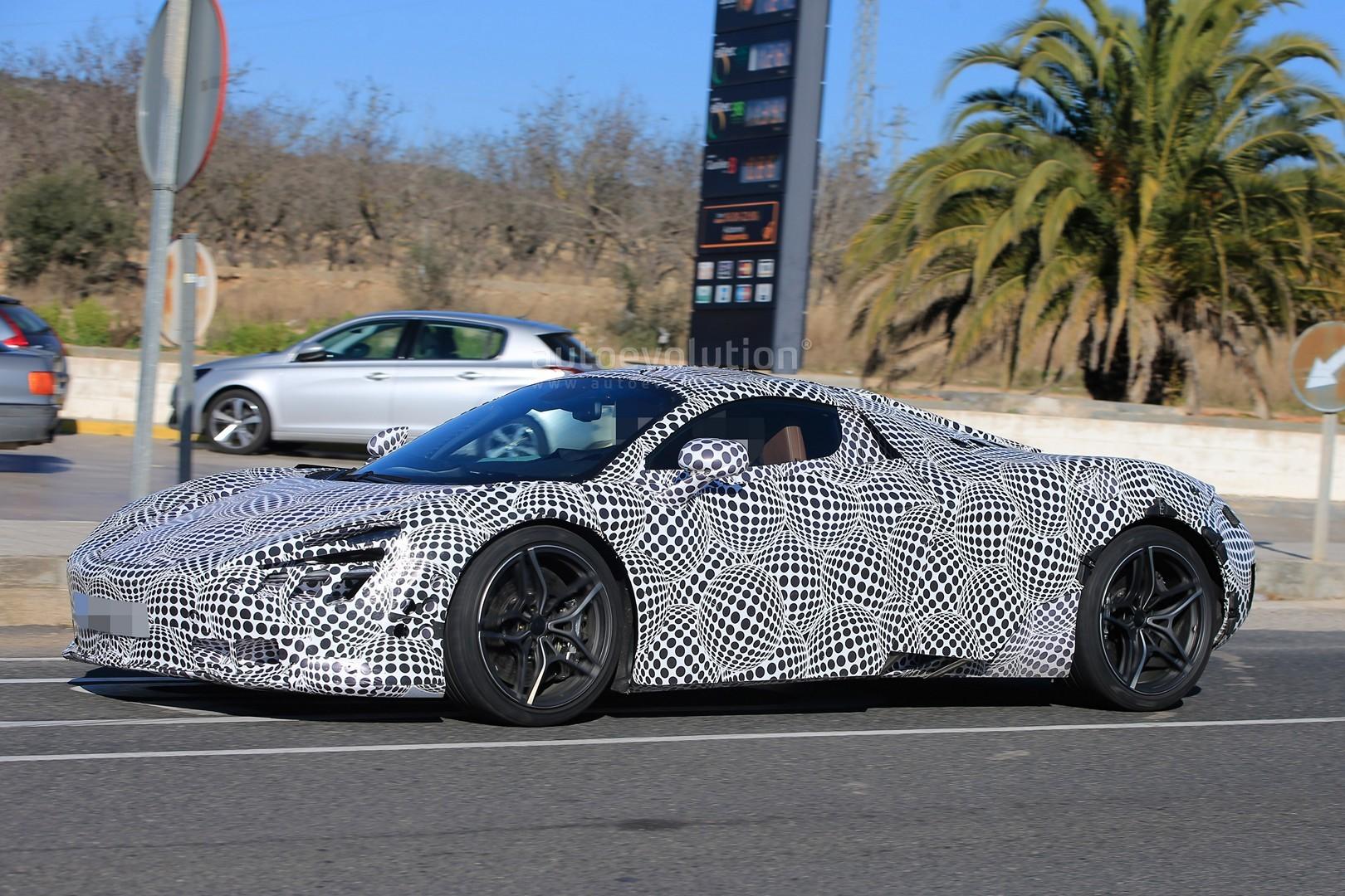 2018 McLaren 720S (P14) Spied With