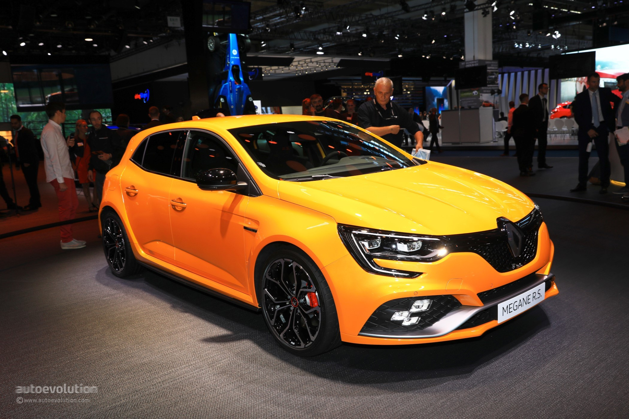 2018 Megane RS 3-Door Rendering Feels Ridiculous