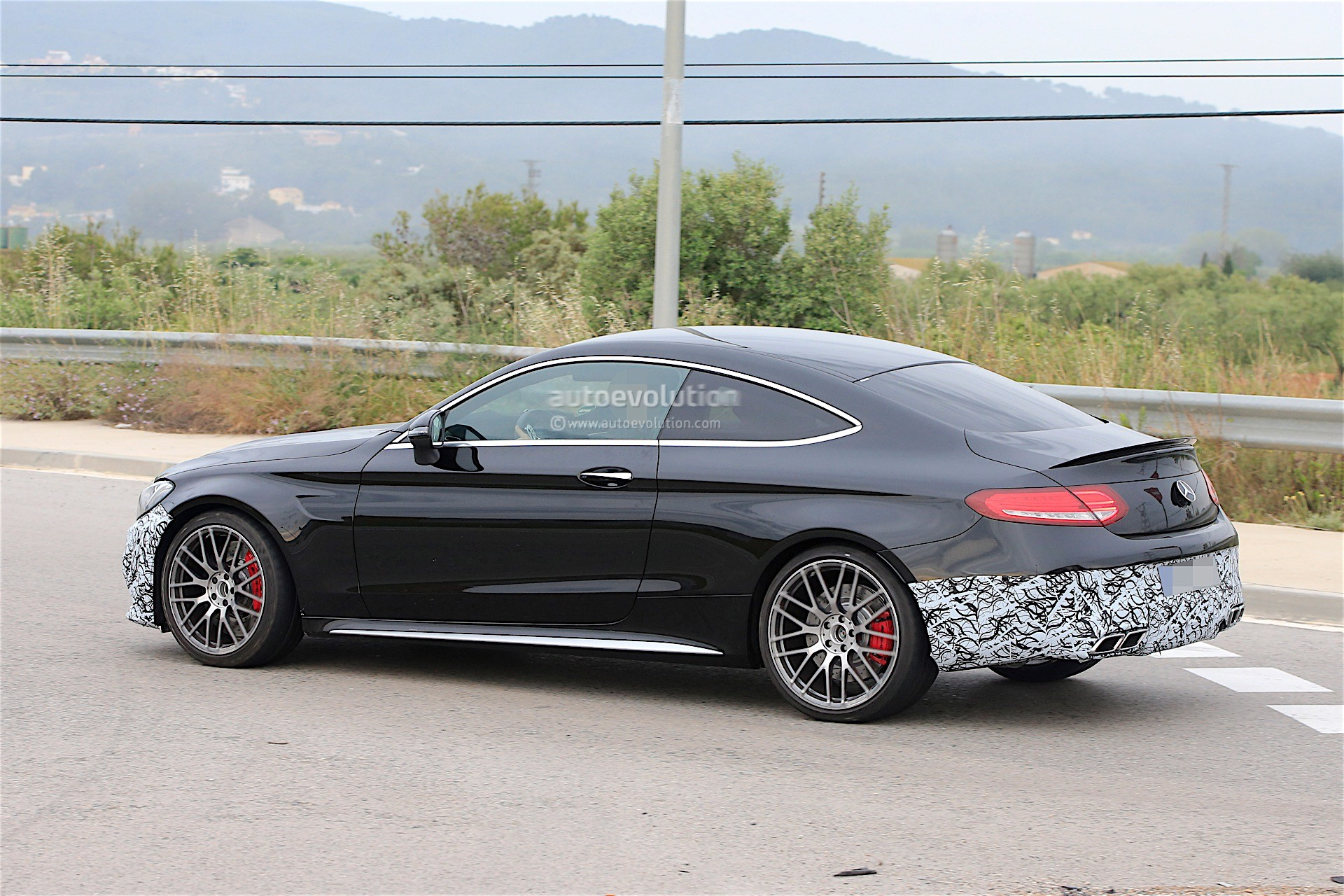 2018 mercedes amg c63 coupe facelift spied for the first for Mercedes benz c63 amg convertible