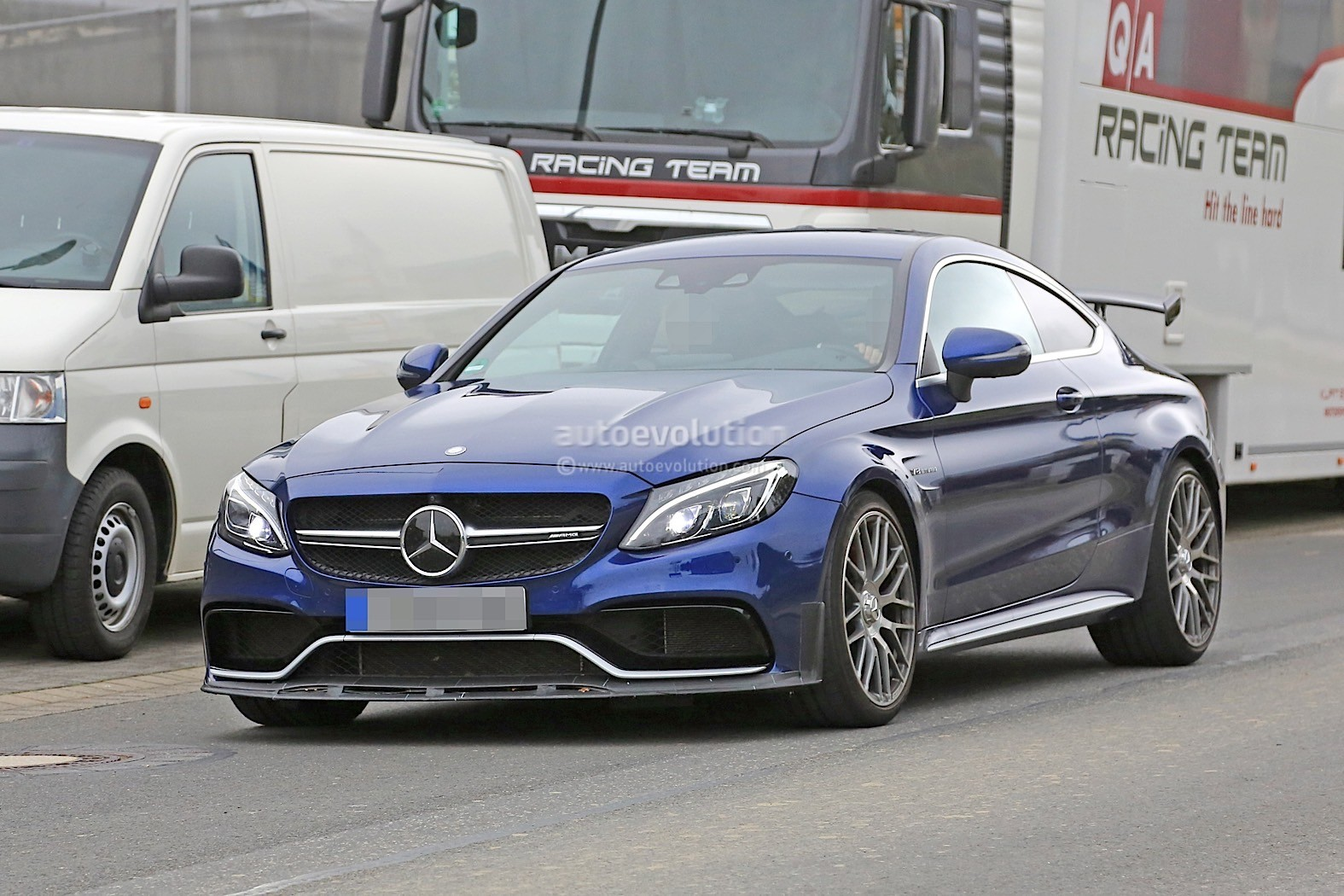 2018 mercedes amg c63 r coupe comes to crash the bmw m4 for Mercedes benz 63 amg