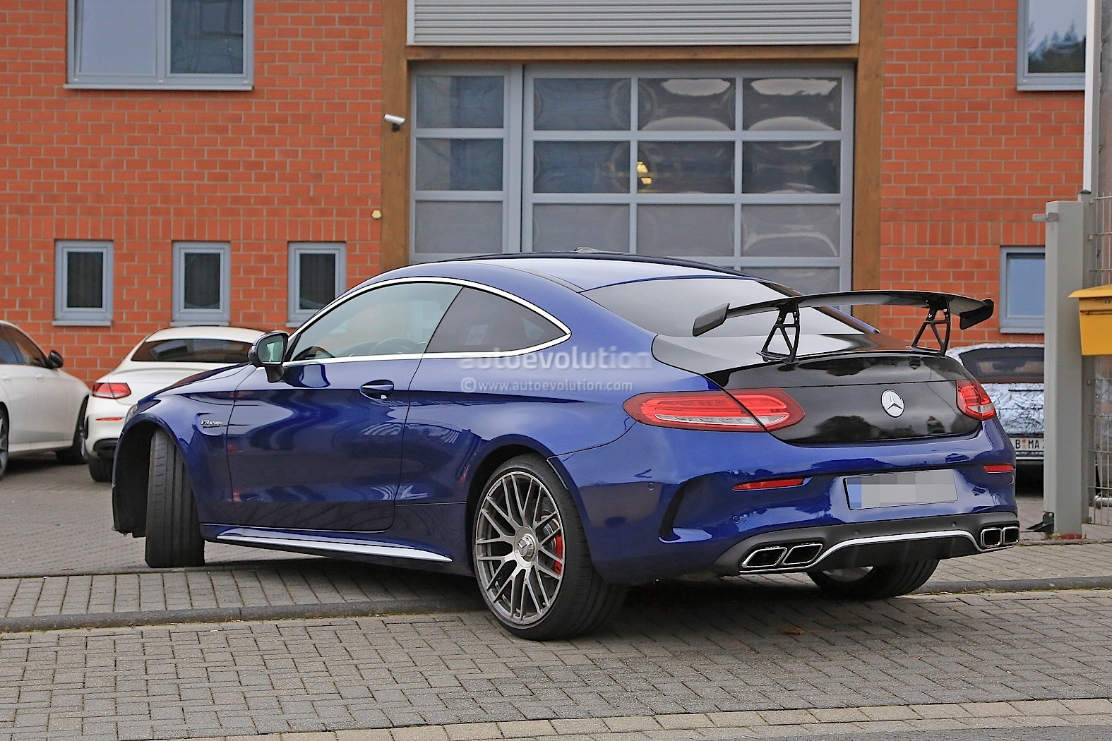 2018 Mercedes-AMG C63 R Coupe Comes to Crash the BMW M4 ...