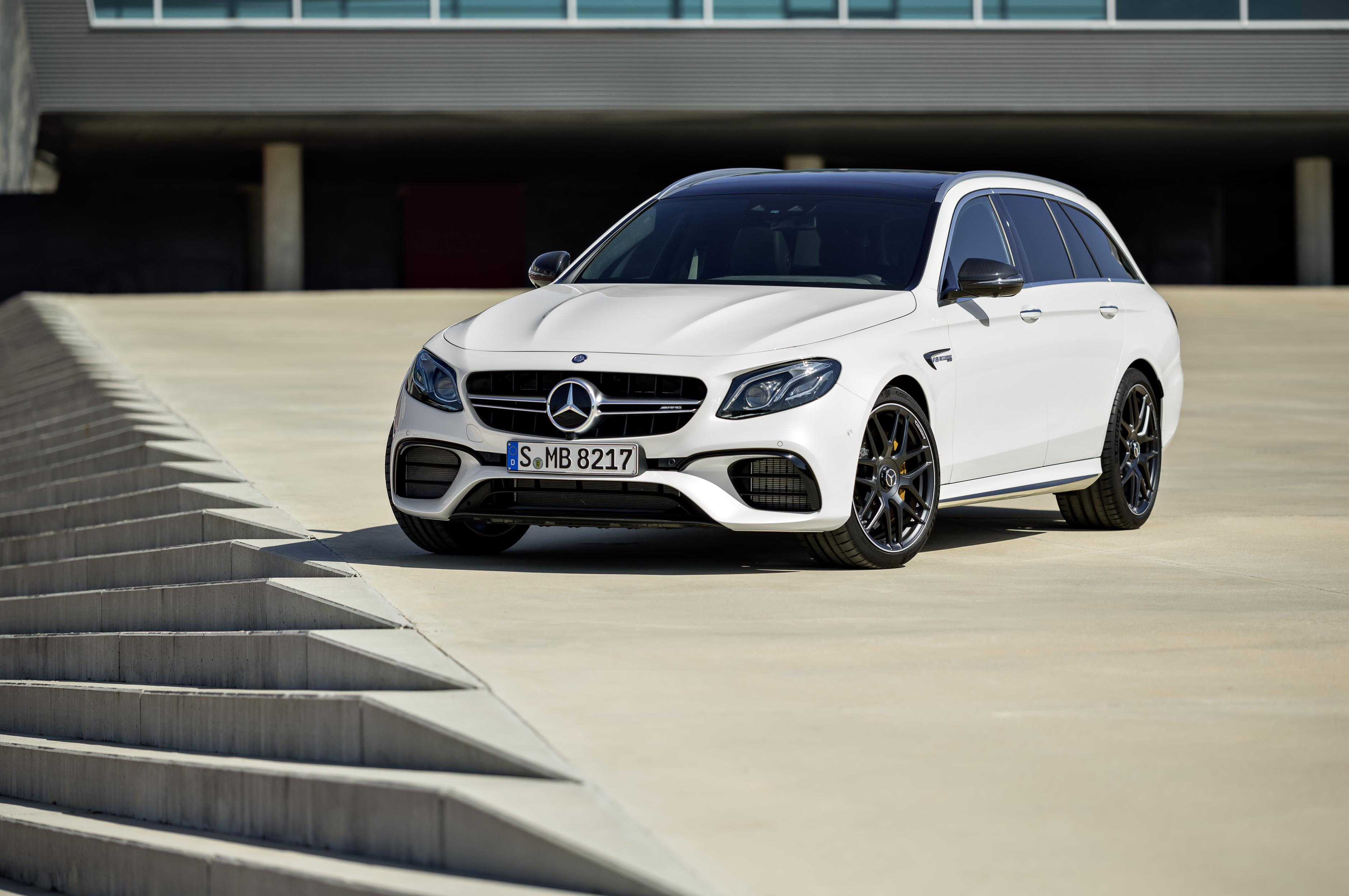 2018 mercedes amg e63 s 4matic t modell is the maddest station wagon around autoevolution. Black Bedroom Furniture Sets. Home Design Ideas