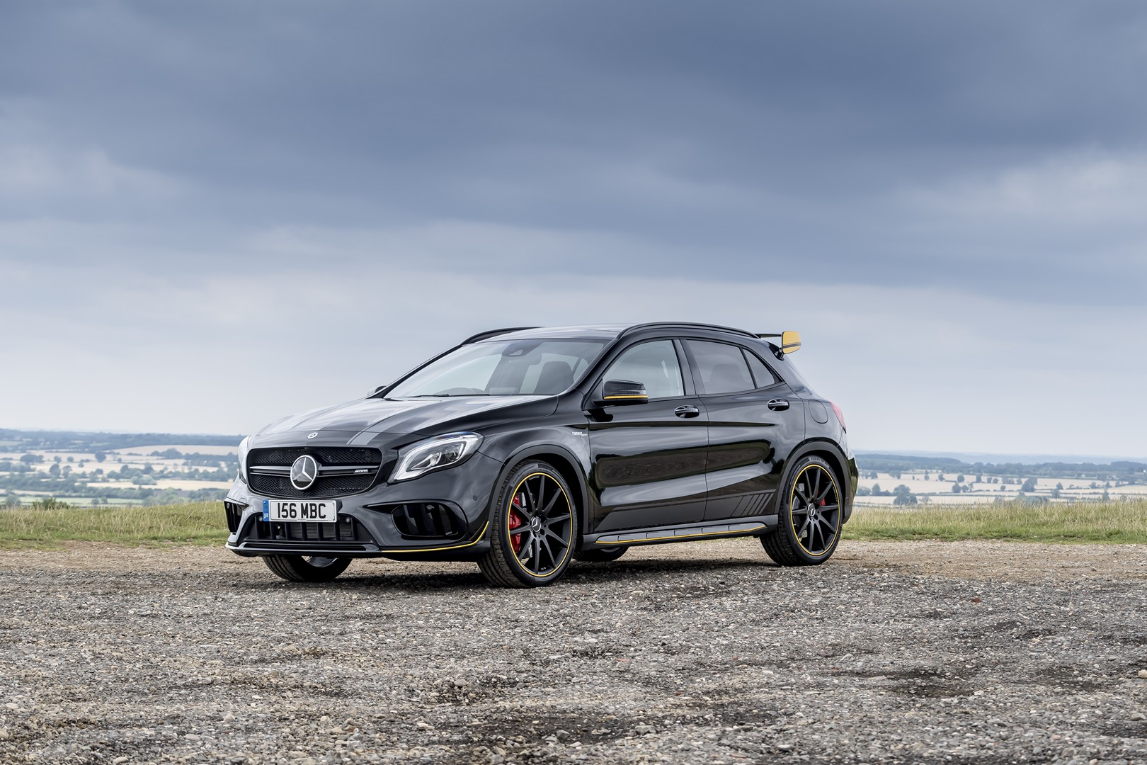 2018 mercedes amg gla 45 yellow night edition looks like the edition 1 autoevolution. Black Bedroom Furniture Sets. Home Design Ideas