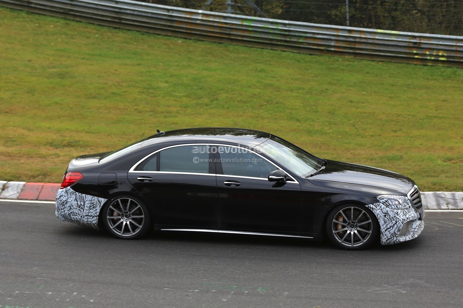 2018 Mercedes-AMG S63 4Matic+ Lang Spied With Full Roll Cage at the Nurburgring - autoevolution
