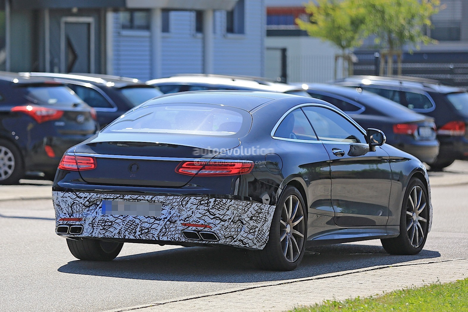 2018 mercedes amg s63 coupe facelift caught testing for the first time autoevolution. Black Bedroom Furniture Sets. Home Design Ideas