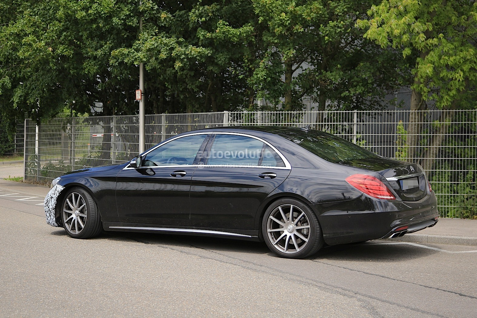 Opulence Galore Scaldarsi Emperor I Mercedes Maybach S600 110463 additionally 105255 Question Cayman Gts Vs New Gt4 Should I Swap together with 33548969 additionally 1965 Vw Bug Root Bier Pan moreover 2018 Mercedes Amg S63 Sedan Starts Testing With New Engine 109339. on 69 porsche 911 engine