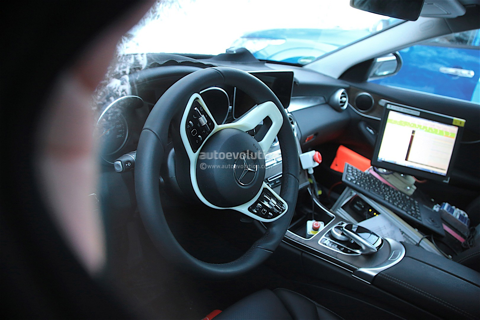 2018 mercedes benz c class facelift spied reveals more of its interior autoevolution. Black Bedroom Furniture Sets. Home Design Ideas
