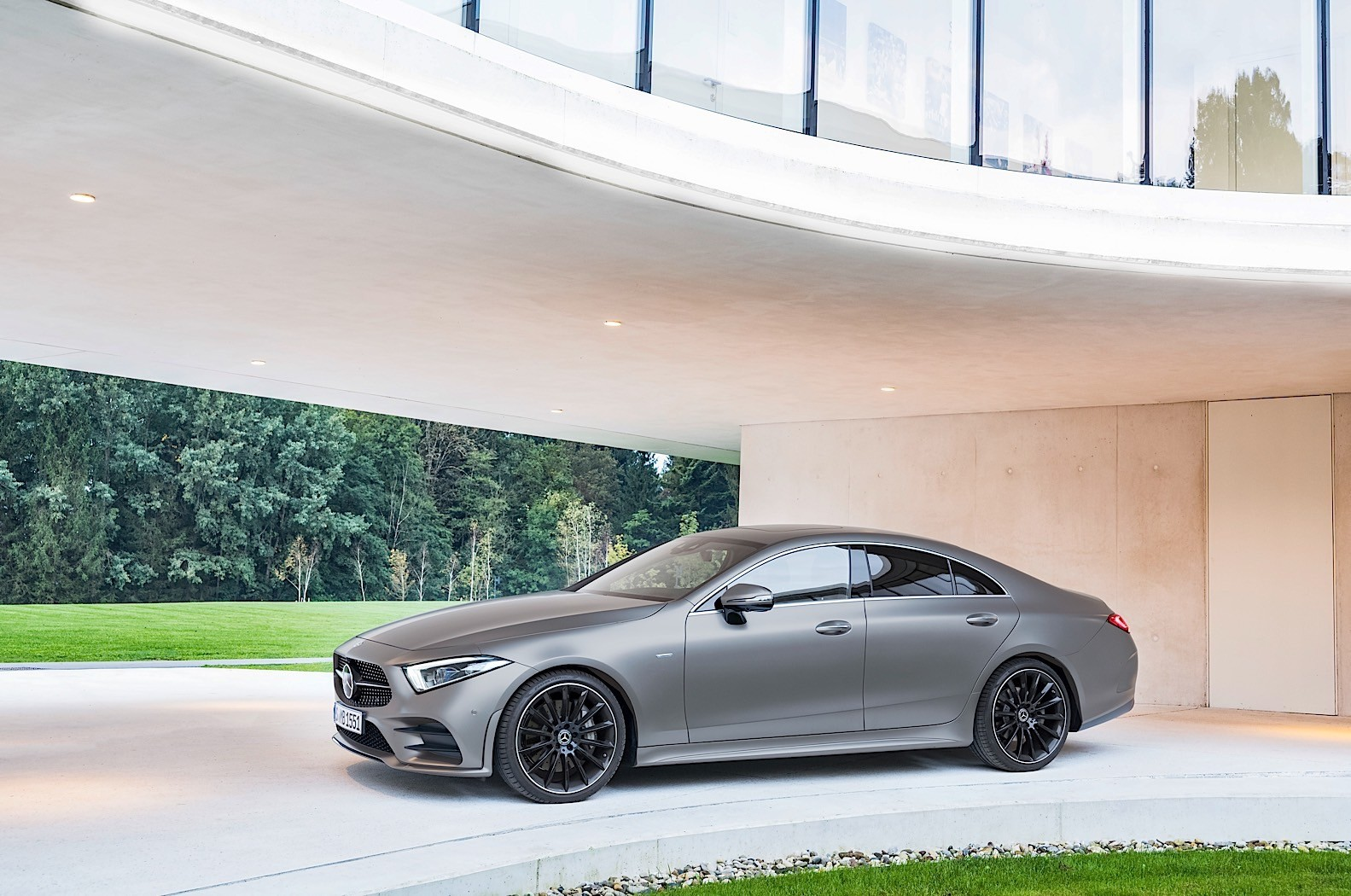 2018 mercedes benz cls c257 gets a polarizing rear end instead of a name change autoevolution. Black Bedroom Furniture Sets. Home Design Ideas