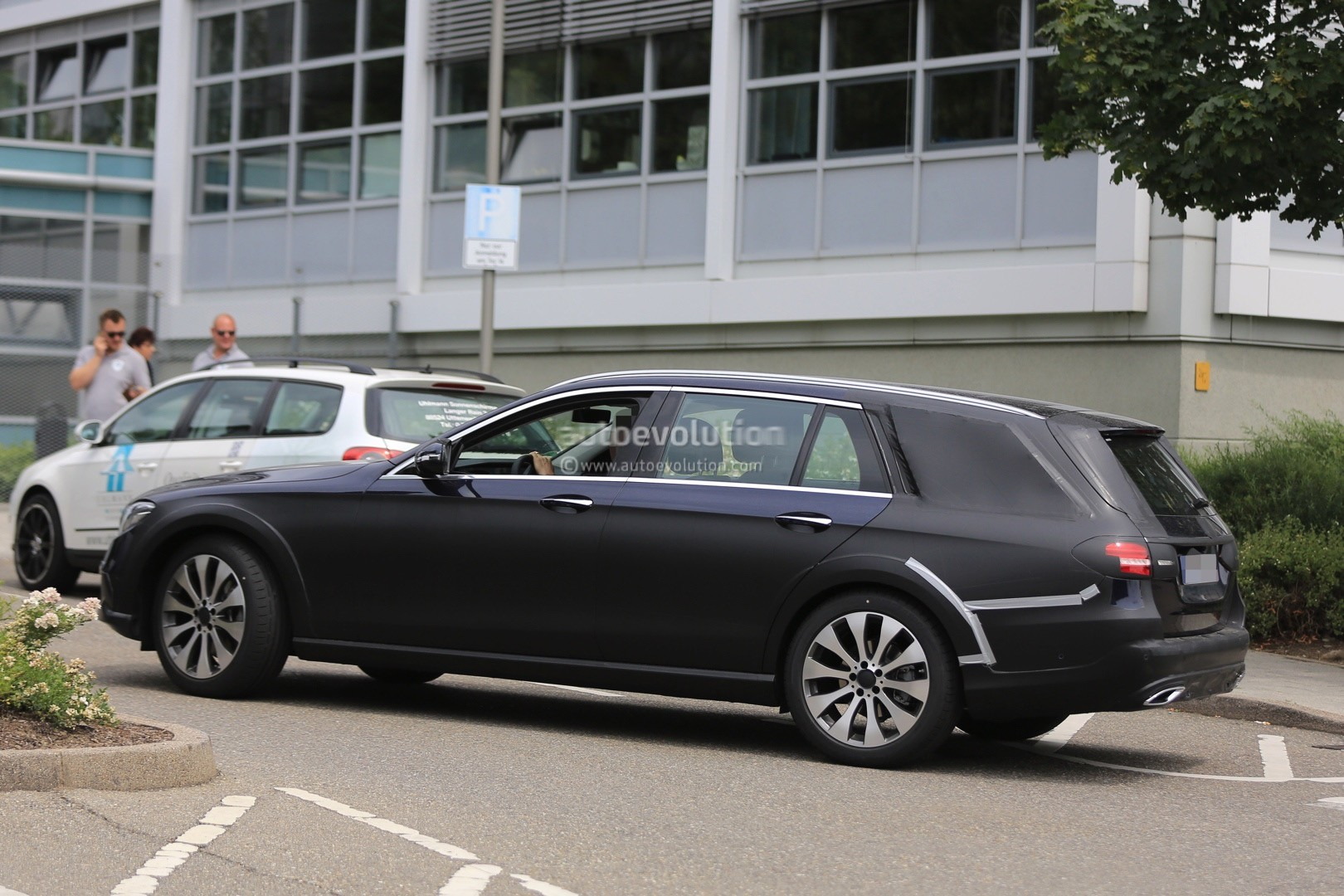 2017 mercedes benz e class all terrain x213 spied in for All classes of mercedes benz