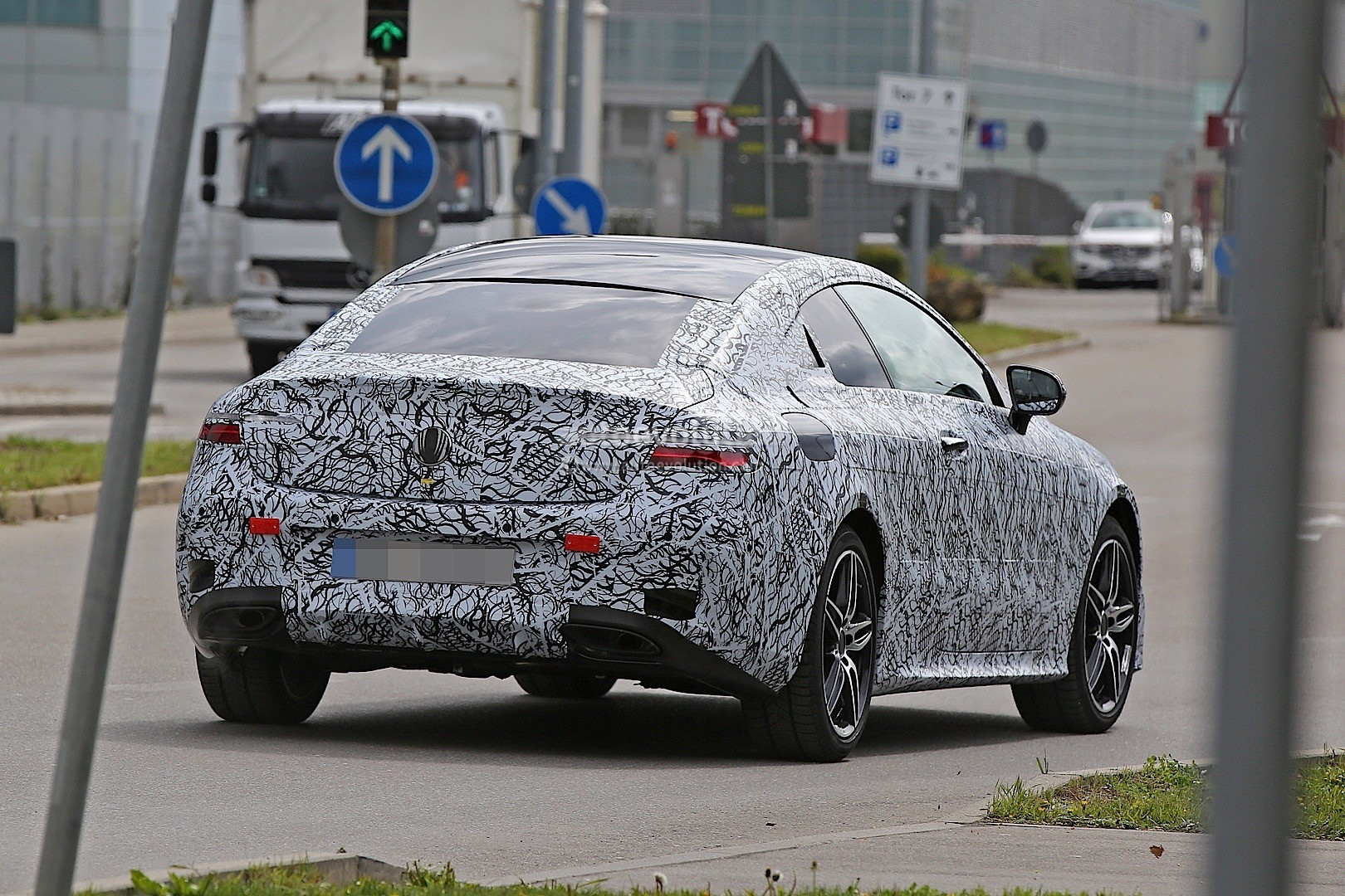 2018 Mercedes-Benz E-Class Coupe Spied in Germany ...