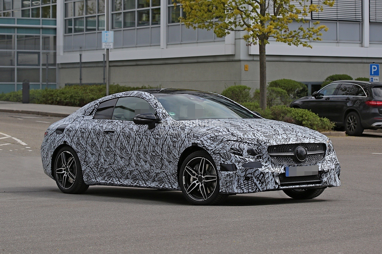 2018 mercedes benz e class coupe spied in germany autoevolution. Black Bedroom Furniture Sets. Home Design Ideas