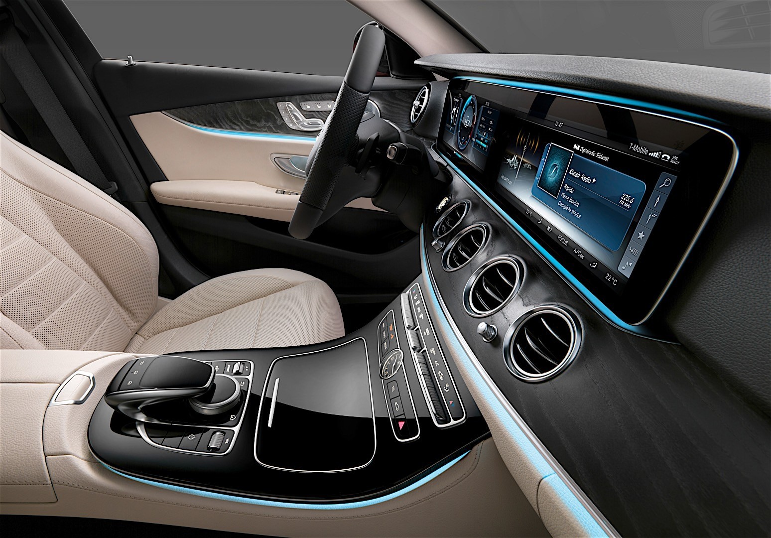2017 Mercedes-Benz E-Class Interior Officially Unveiled, Will Rival ...