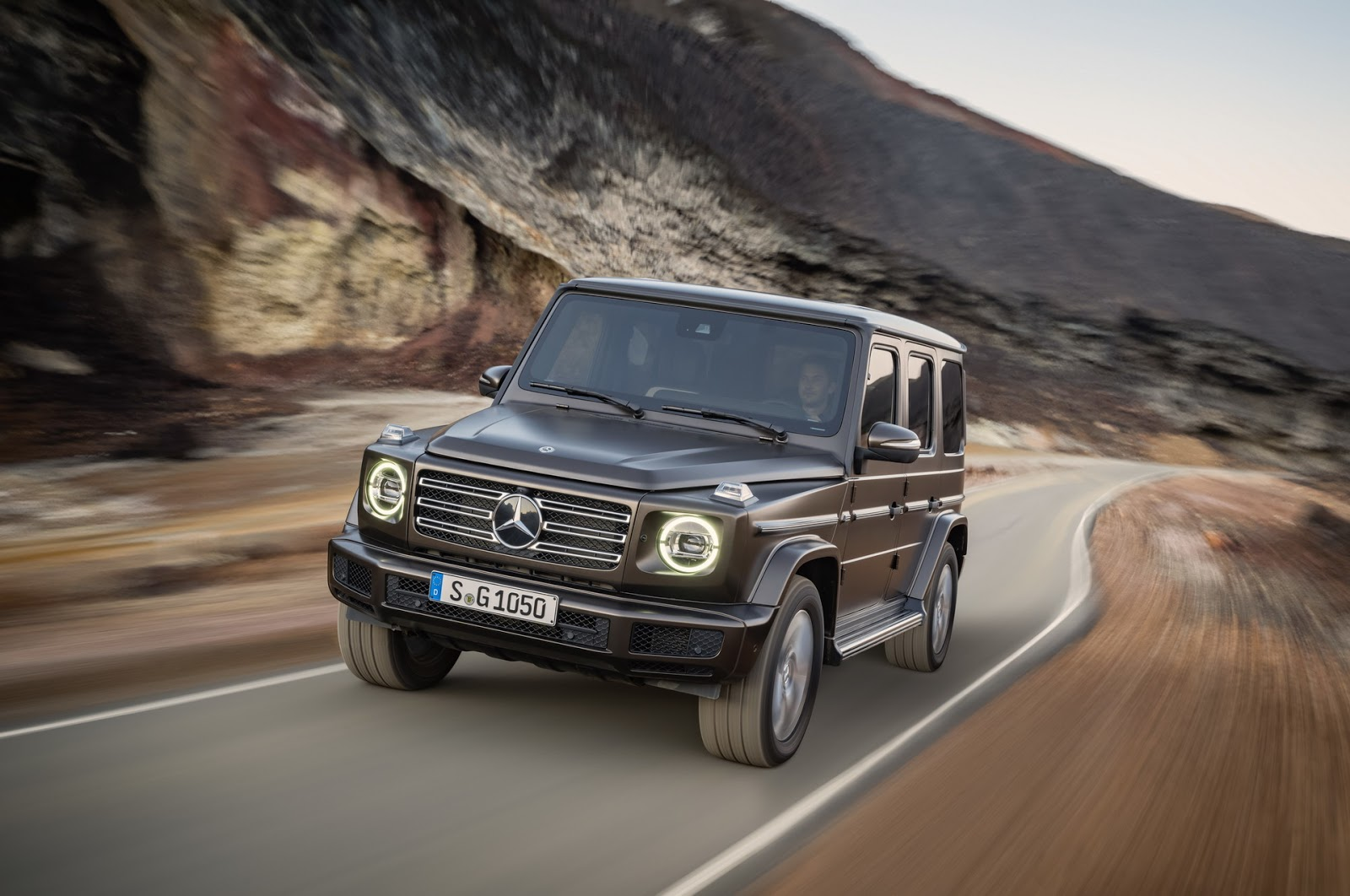 2019 mercedes benz g class shows amazing old new look in detroit autoevolution. Black Bedroom Furniture Sets. Home Design Ideas