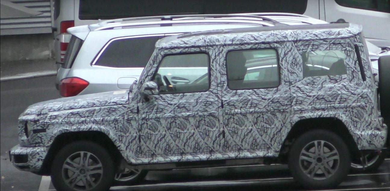 2018 mercedes benz g class spied gets closer to production autoevolution. Black Bedroom Furniture Sets. Home Design Ideas