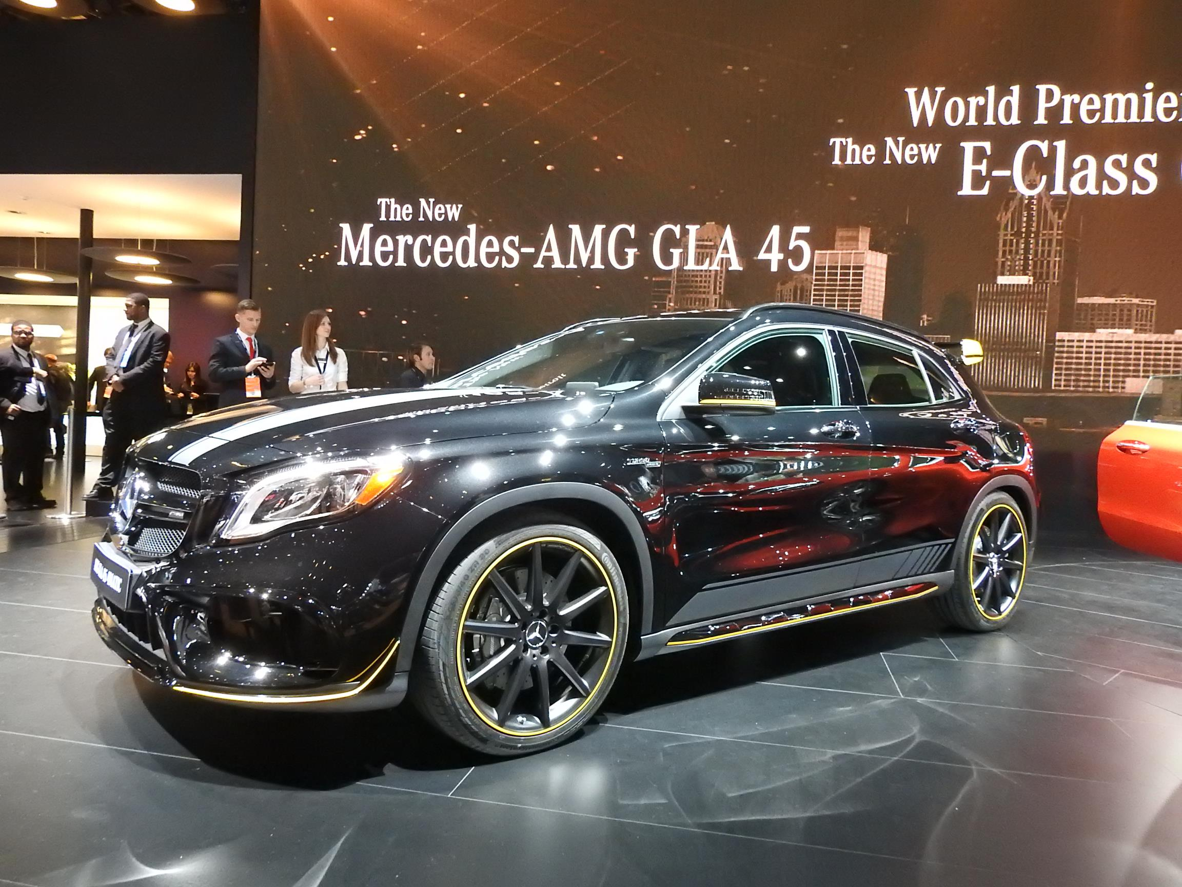 2018 mercedes benz gla class doesn 39 t look that different in detroit autoevolution. Black Bedroom Furniture Sets. Home Design Ideas