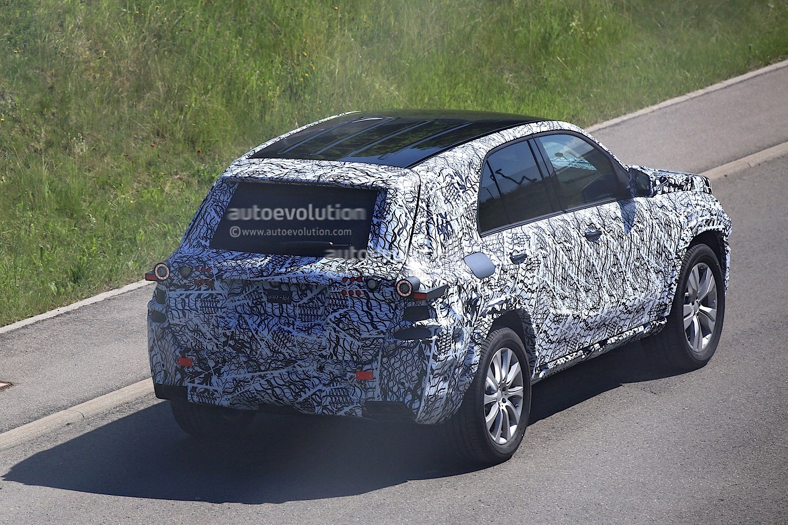 G Wagon 2019 >> 2018 Mercedes-Benz GLB Starts Testing With Production Body - autoevolution