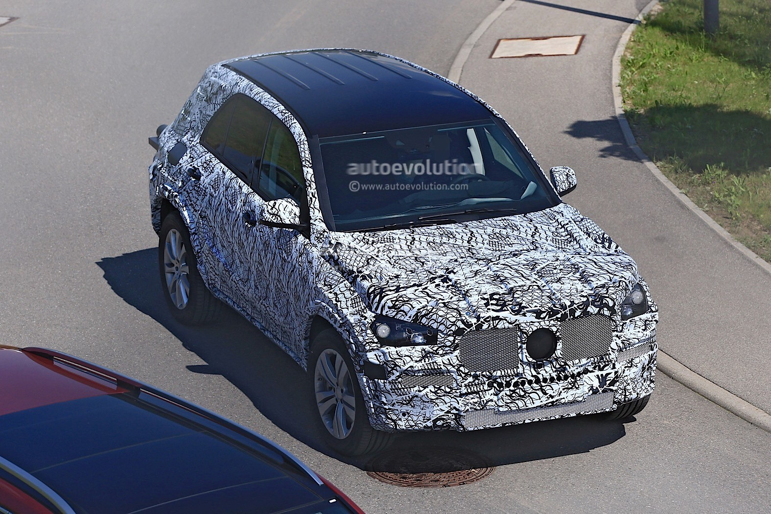 2018 Mercedes-Benz GLB Starts Testing With Production Body ...