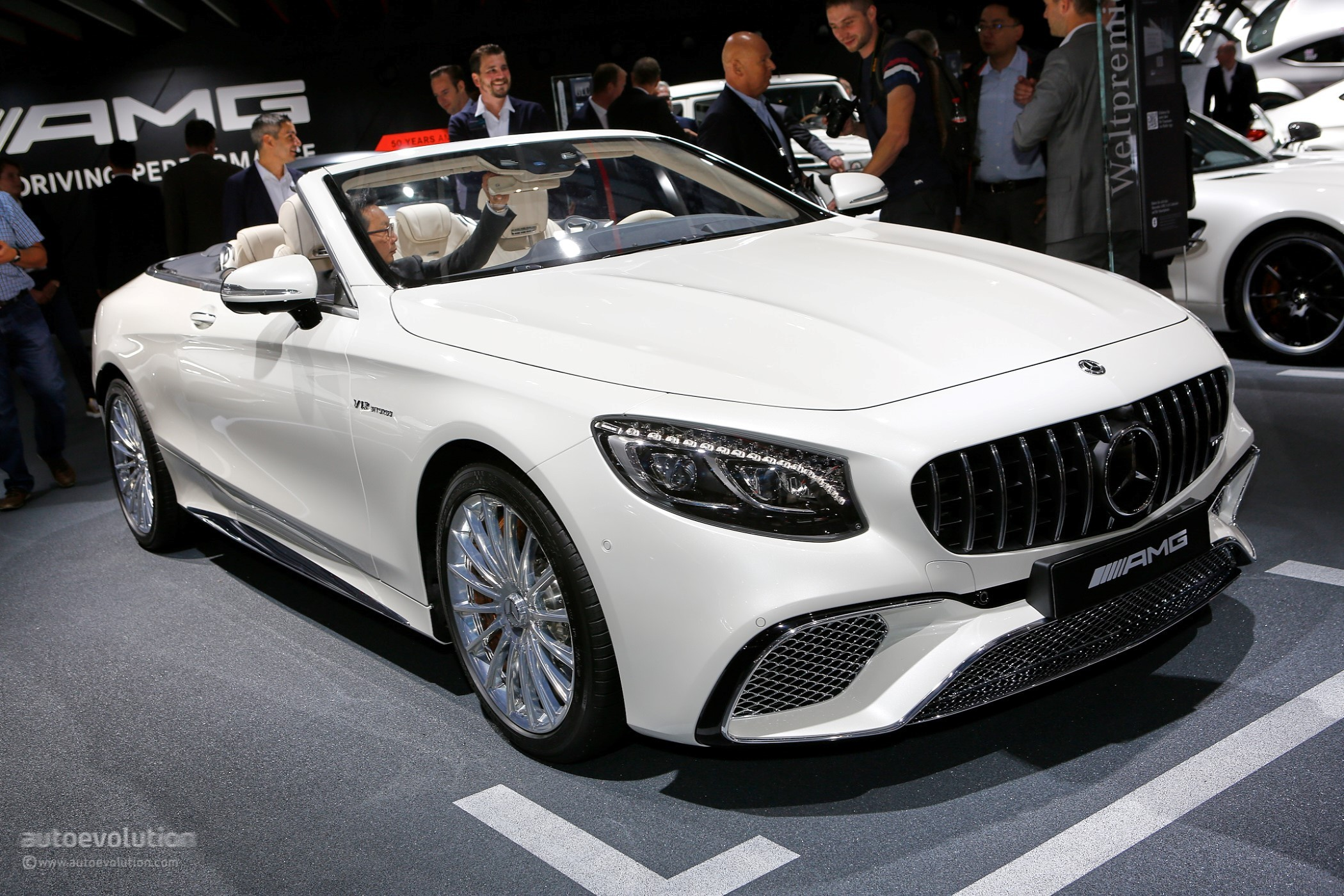 2018 Mercedes-Benz S-Class Coupe/Cabriolet Show Off OLED ...