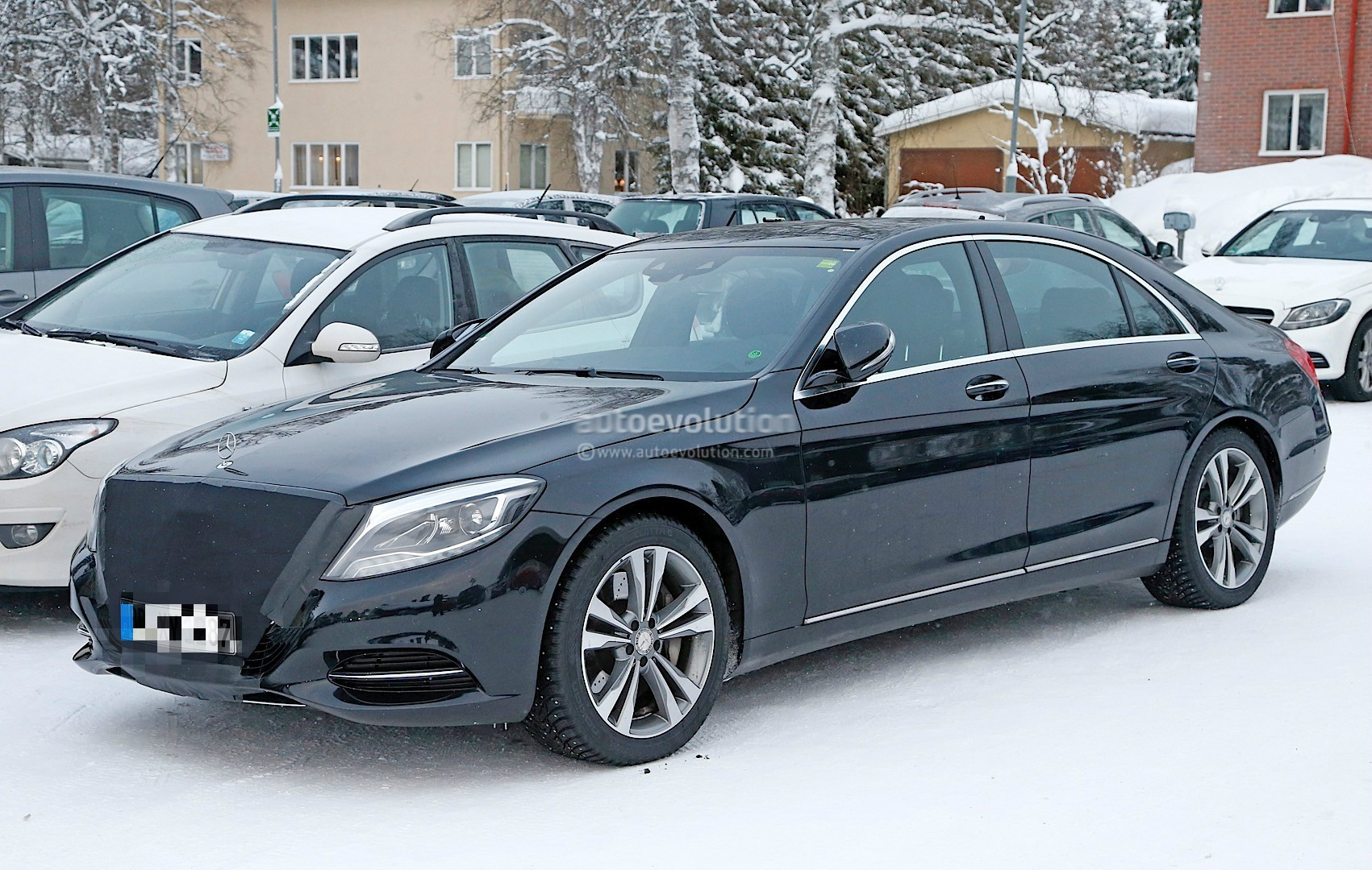 2018 mercedes benz s class facelift shows its headlights for 2018 mercedes benz s550