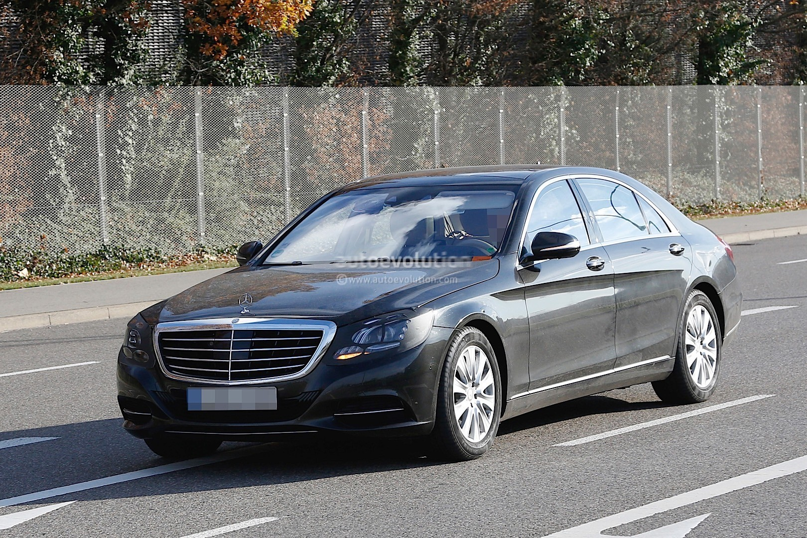2018 mercedes benz s class facelift spied for the first for 2018 mercedes benz s550