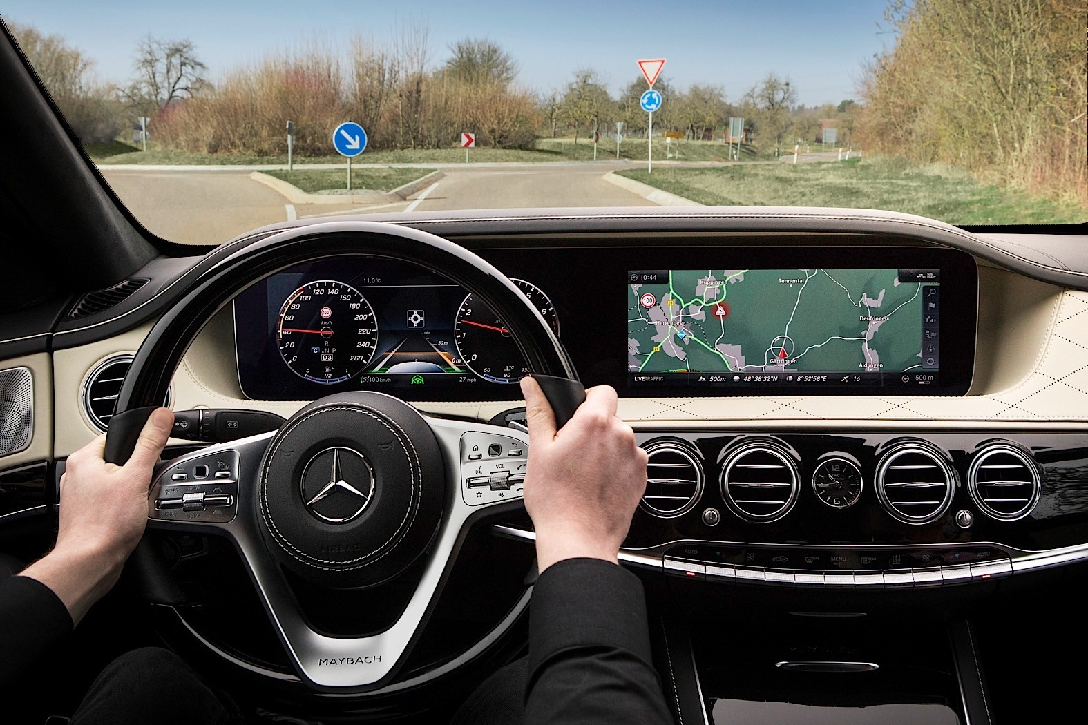 2018 mercedes benz s class w222 facelift dashboard for Mercedes benz dashboard