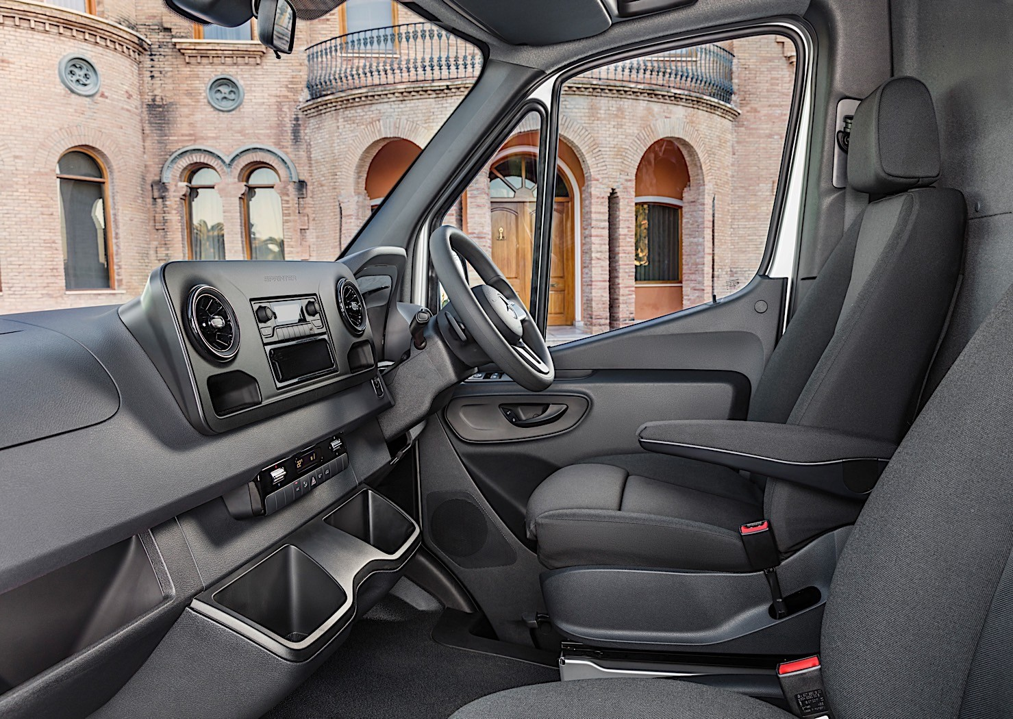 Mercedes Benz Sprinter Based Rv Reviewed By Autoblog Autoevolution