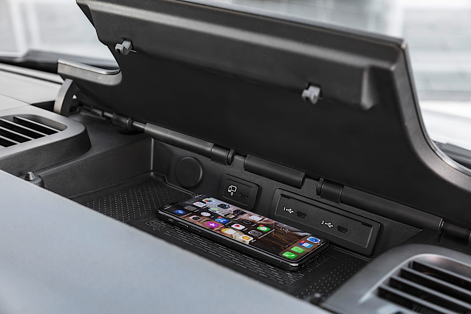 Mercedes-Benz Sprinter-based RV Reviewed by AutoBlog ...