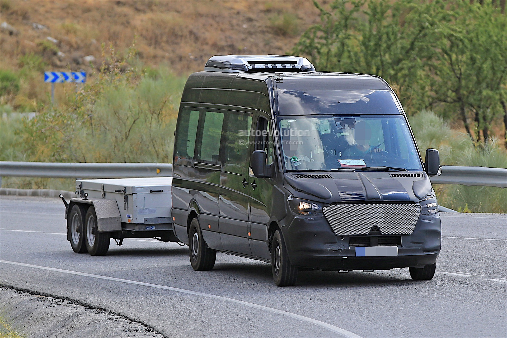2018 Mercedes-Benz Sprinter Prototype Spotted With Thin ...
