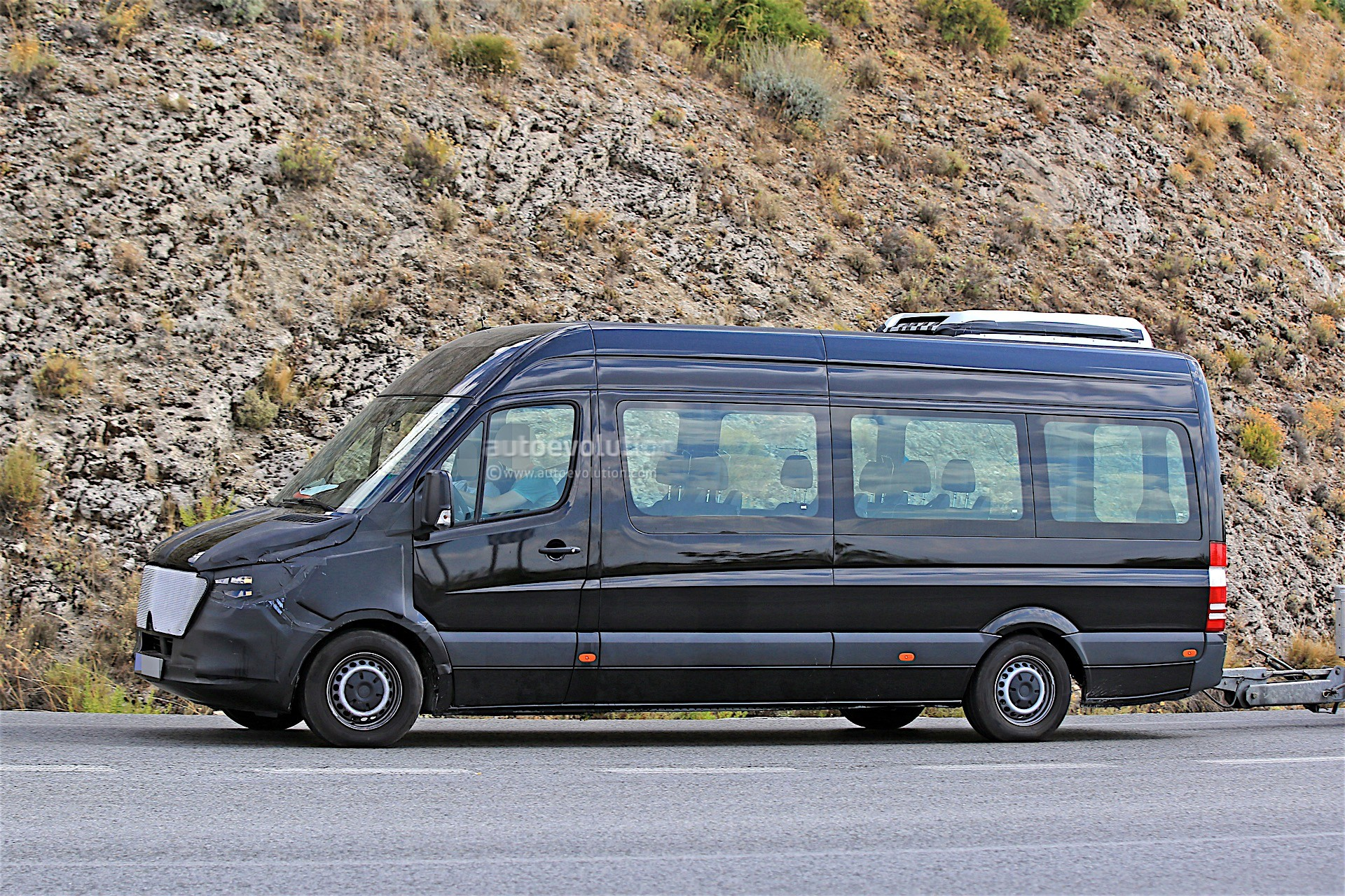 Mercedes Benz Sprinter Based Rv Reviewed By Autoblog Autoevolution