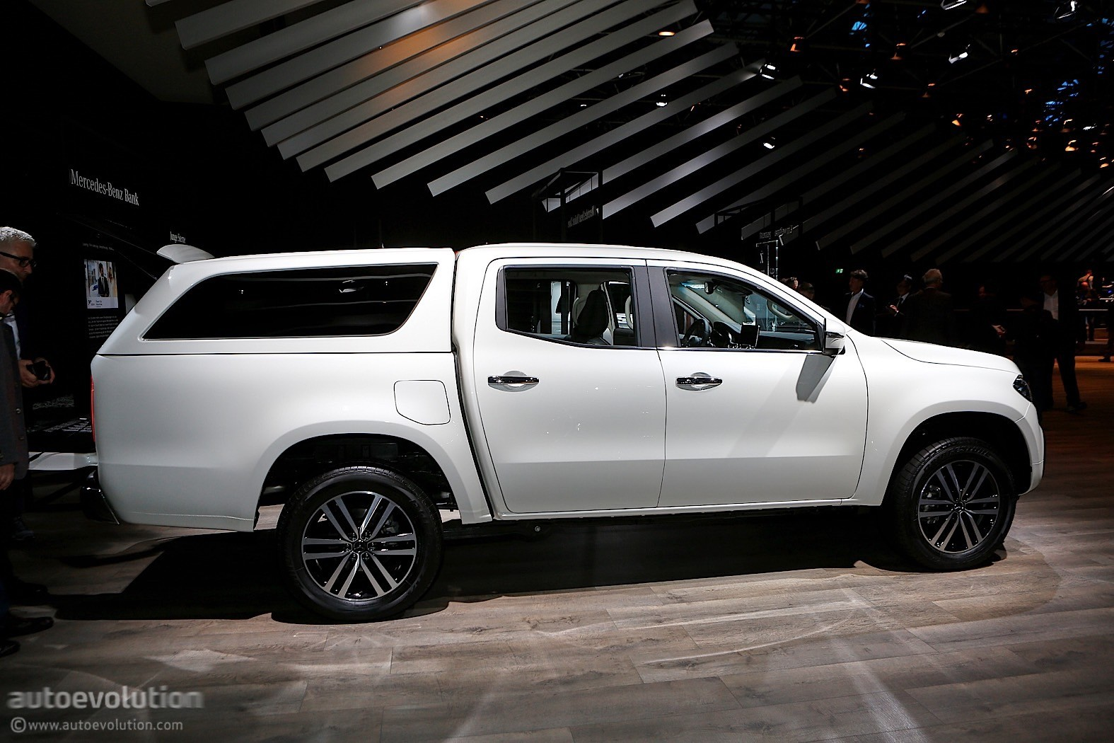 2018 mercedes benz x class is like a caveman in an. Black Bedroom Furniture Sets. Home Design Ideas