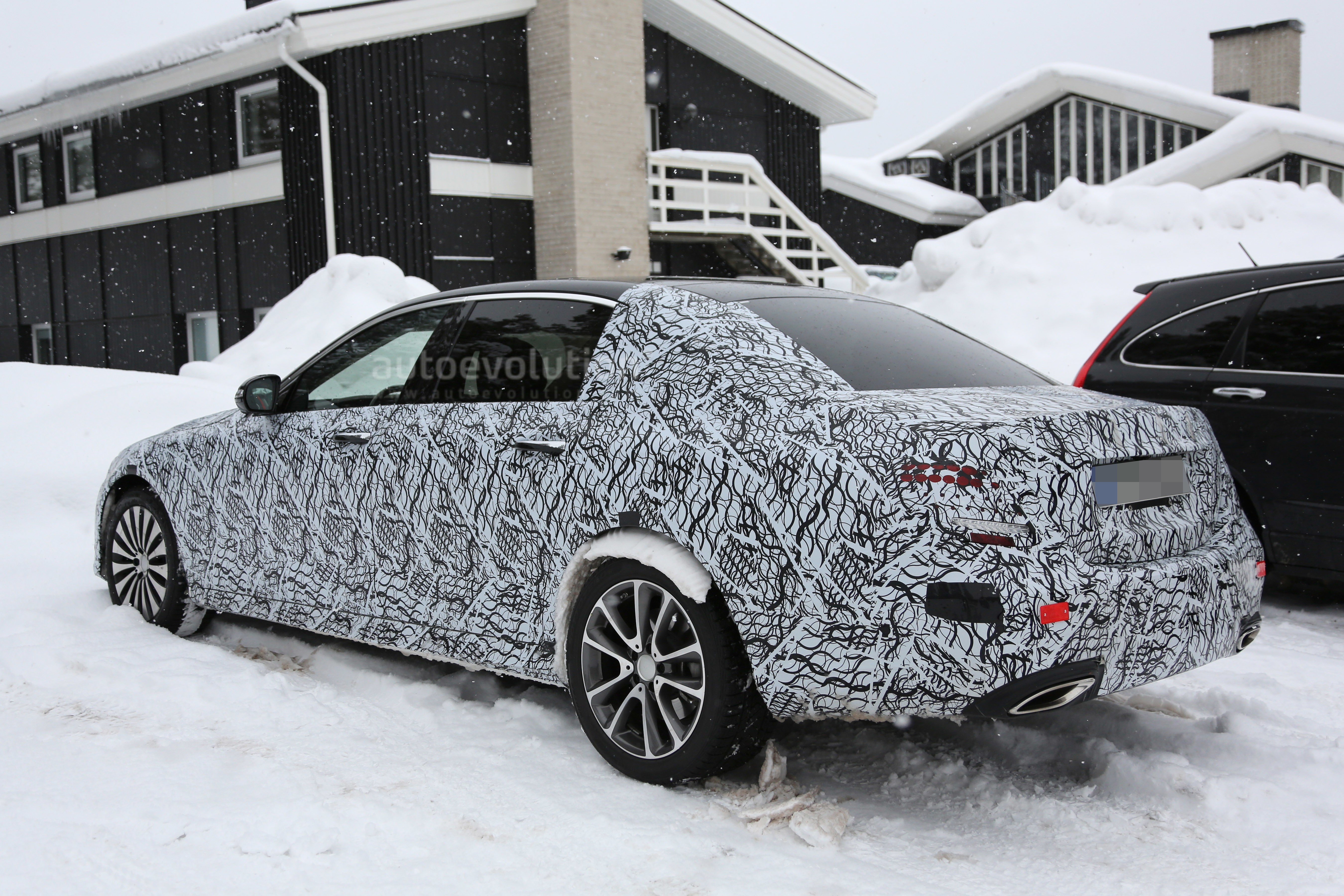 2018 mercedes maybach e class spy video still doesn 39 t show for Who owns mercedes benz now