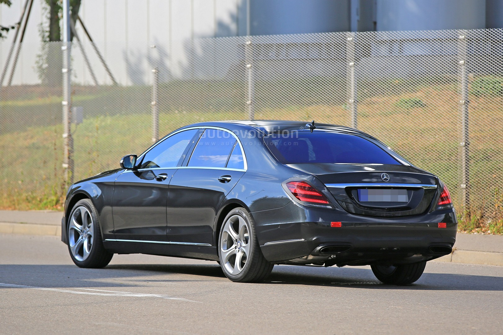 2018 mercedes s class taillights spied in detail. Black Bedroom Furniture Sets. Home Design Ideas