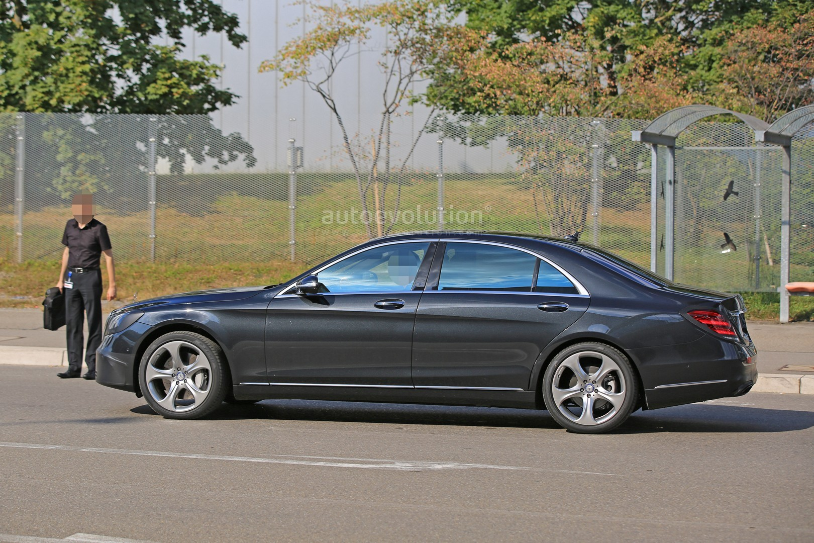 2018 mercedes s class taillights spied in detail autoevolution. Black Bedroom Furniture Sets. Home Design Ideas