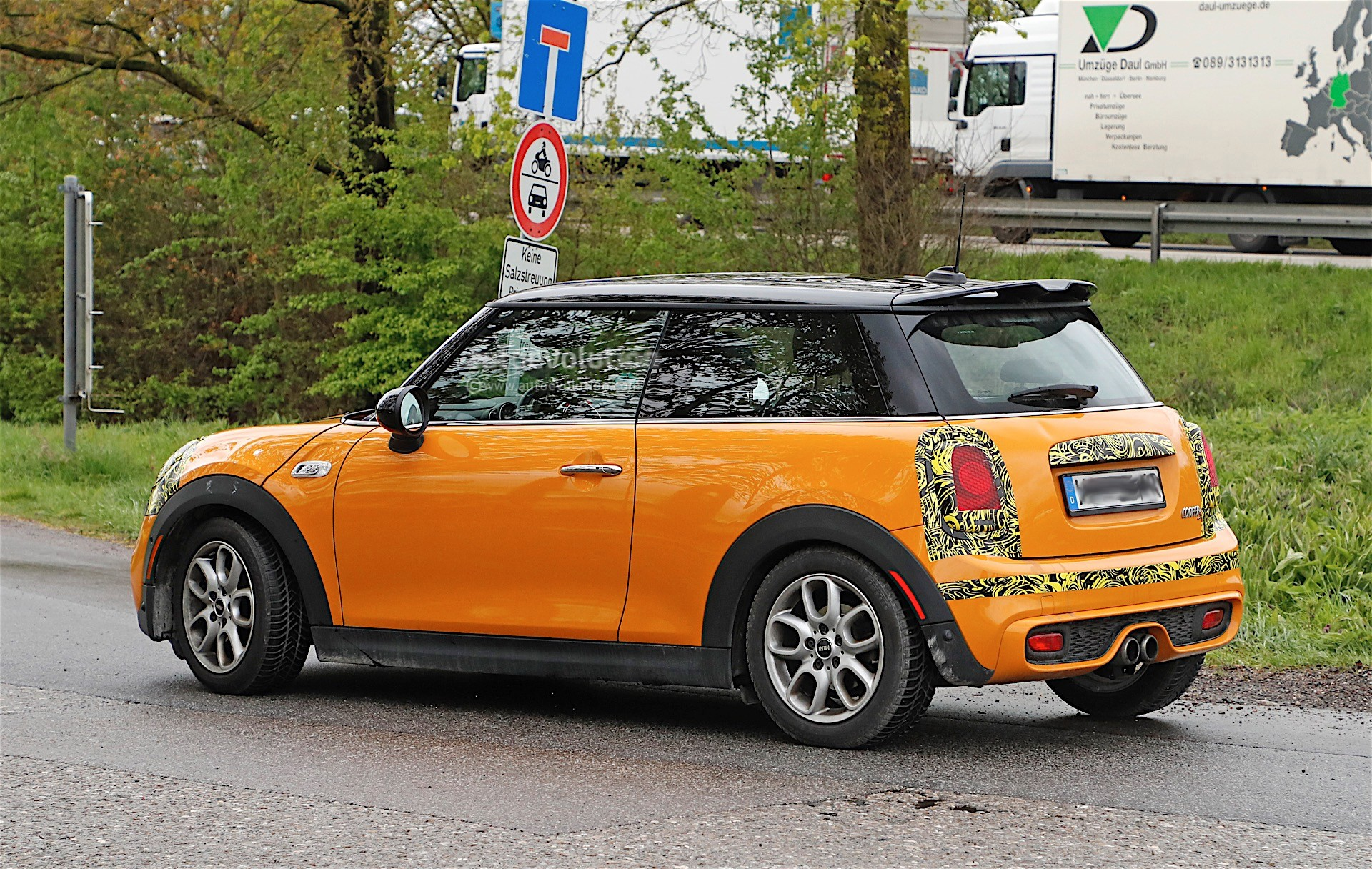 Mini Cooper Models >> 2018 MINI Cabrio And Cooper S Facelift Spied in Germany ...