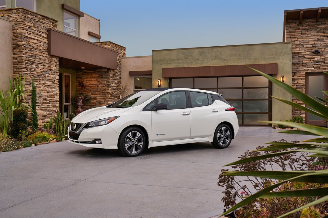 New 2018 Nissan LEAF EV starts rolling out of Nissan's United Kingdom plant
