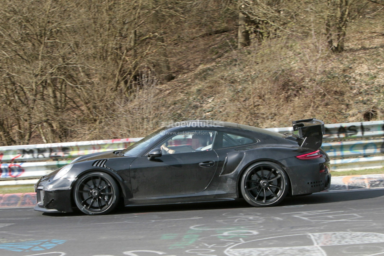 2018 porsche 911 gt2 shows up on nurburgring expect 7 05 lap time autoevolution. Black Bedroom Furniture Sets. Home Design Ideas